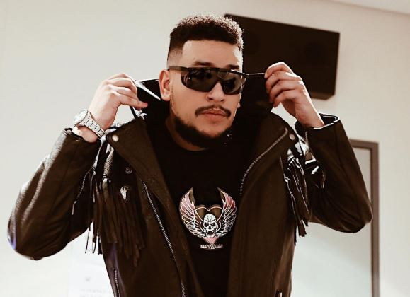 "AKA shares snippet of ""The Braai Show"" to premiere tomorrow"