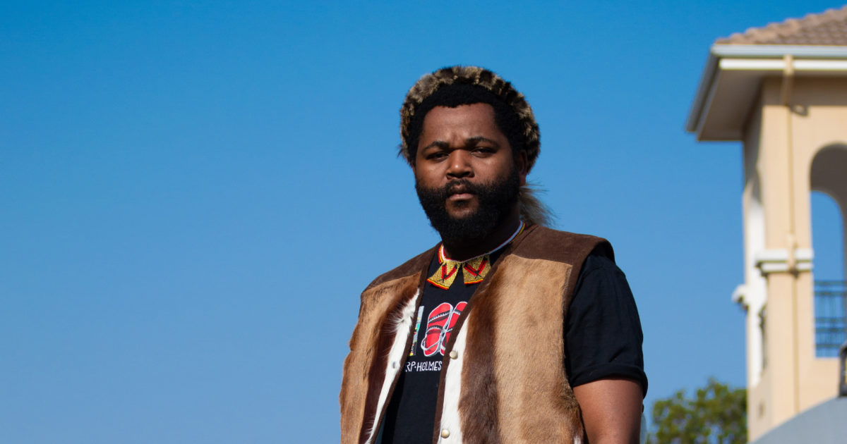 """Don't Let Anyone Or Anything Break You"" Sjava Advises Emtee"